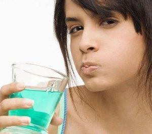 Кровоточат десны. 10 советов - что делать в домашних условиях