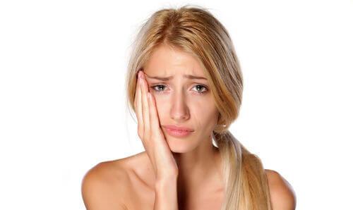 Лечение кисты зуба лазером – отзывы, преимущества, показания