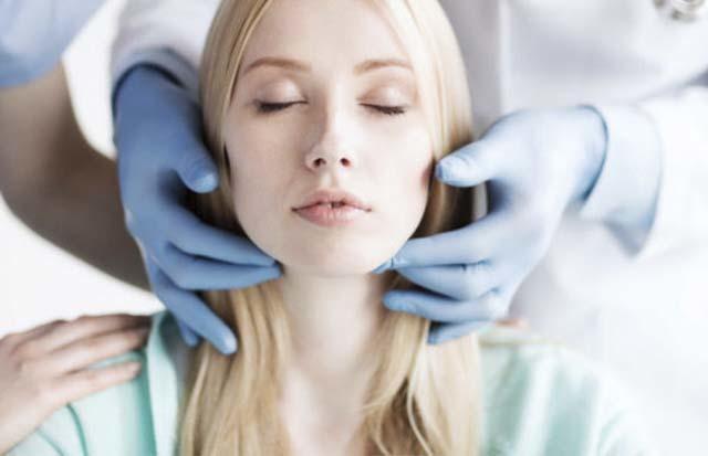 Лимфоузлы на щеке: фото, расположение, причины воспаления и лечение