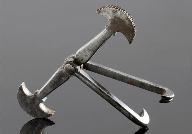 Самые жуткие стоматологические инструменты в истории (15 фото)
