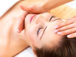 Мануальная чистка лица: что это такое, этапы процедуры, польза